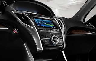 Image of interior console in 2017 Acura TLX